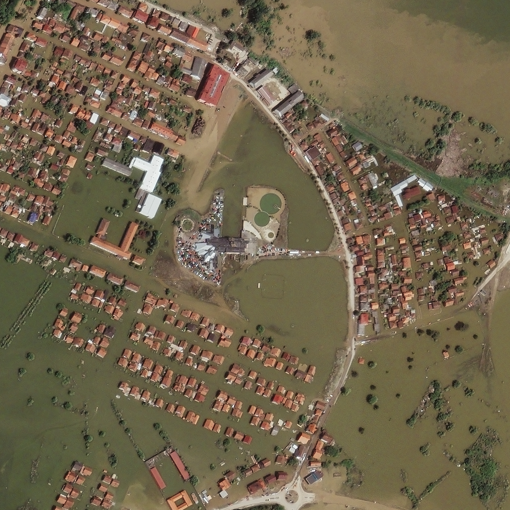 The use of satellite imagery to meet the needs in emergency situations: myths and realities